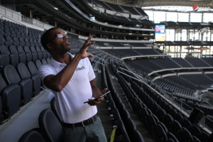 Lawrence Johnson getting ready to Hurl at Cowboys Stadium.
